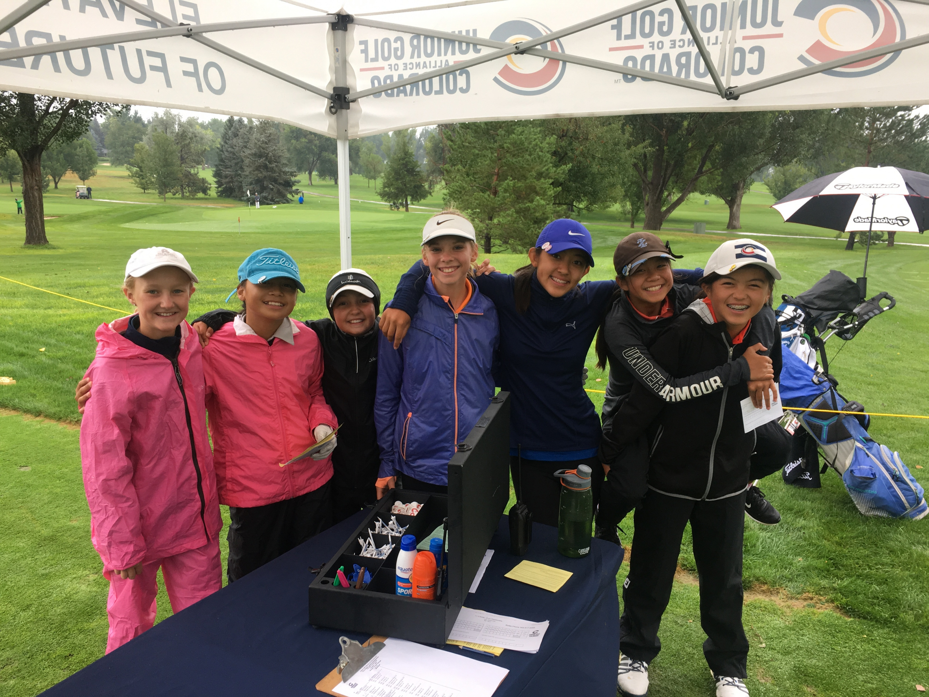 Players Battle Through Wet Conditions Day One at Fox Hill
