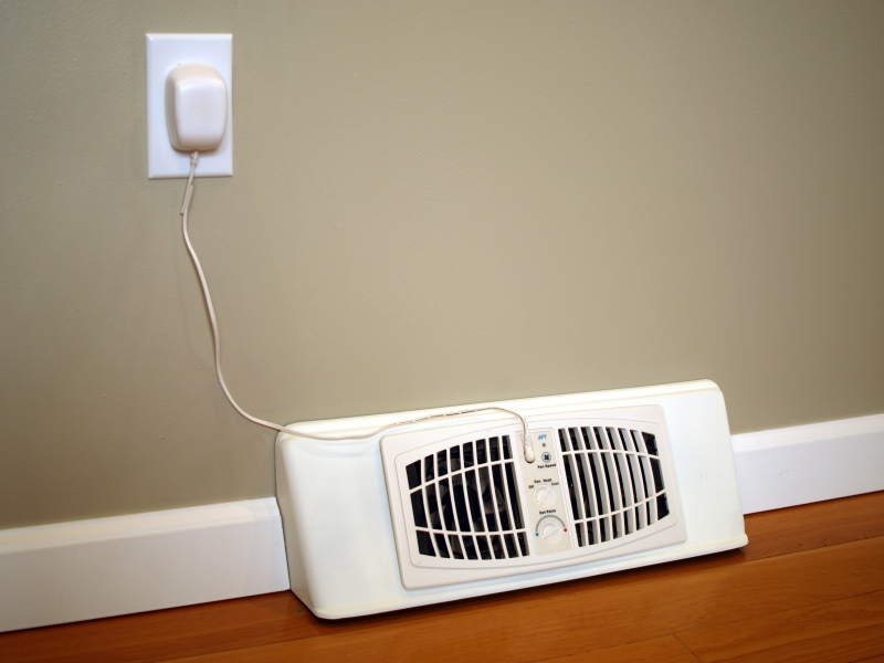 Airflow Breeze Baseboard Register Booster Fan - -