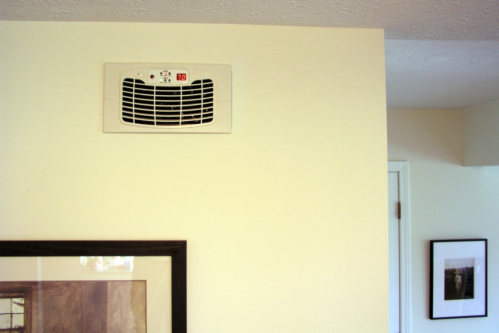 AirFlow Breeze Ultra Register Vent Booster Fan Turns Problem Rooms Into Comfortable Rooms