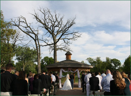 Carriage Greens Country Club - Gazebo Ceremony