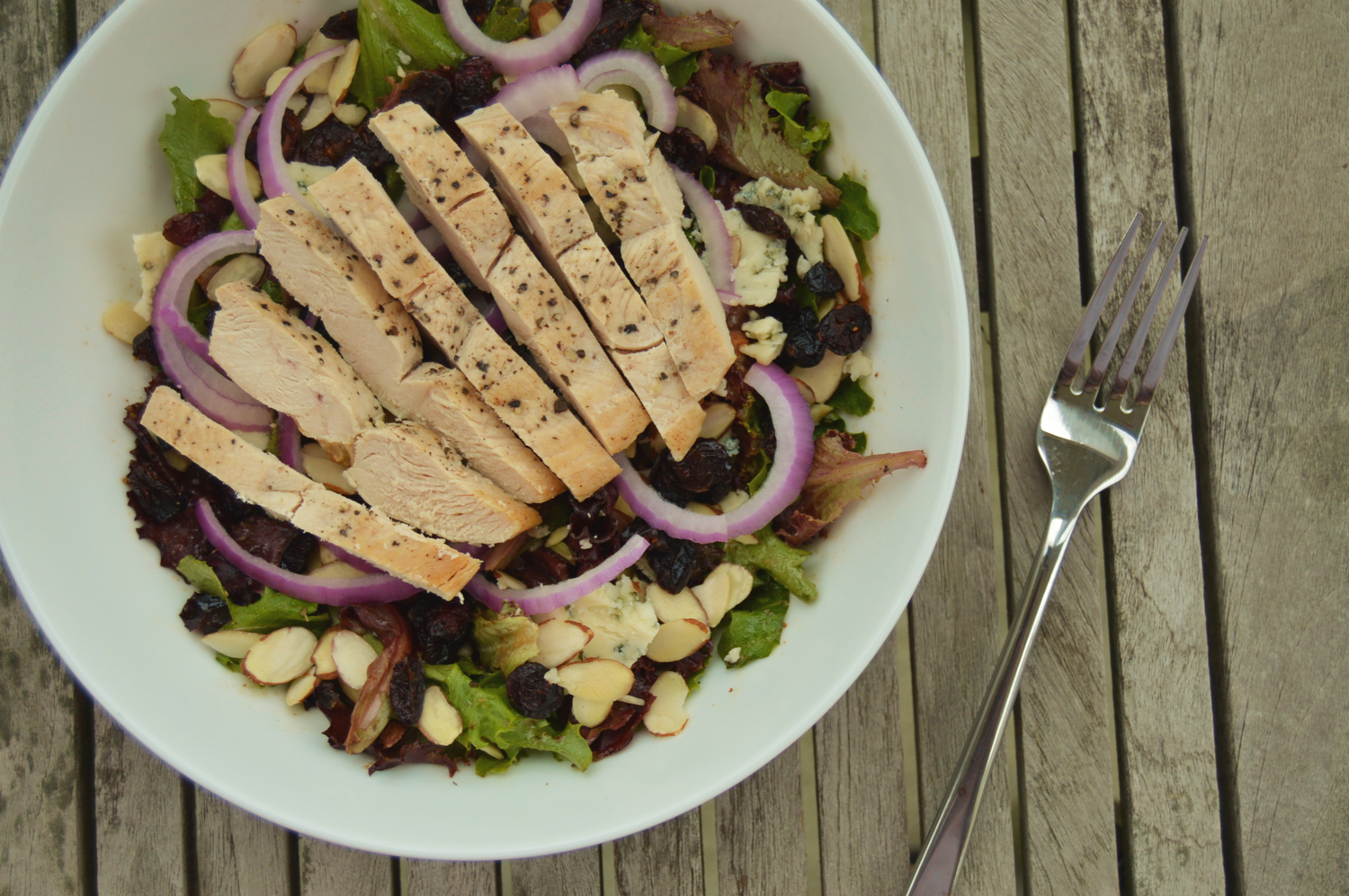 A Taste of the Good Life: Balsamic & Bleu Chicken Salad