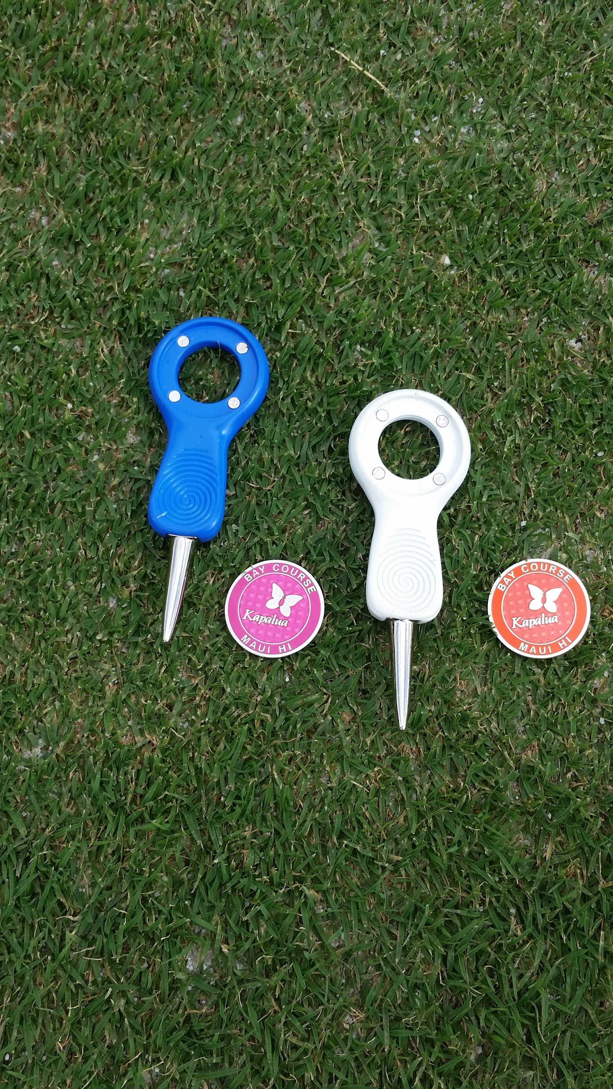 PRG SINGLE PRONG DIVOT TOOL WITH BALLMARKER BLUE OR WHITE
