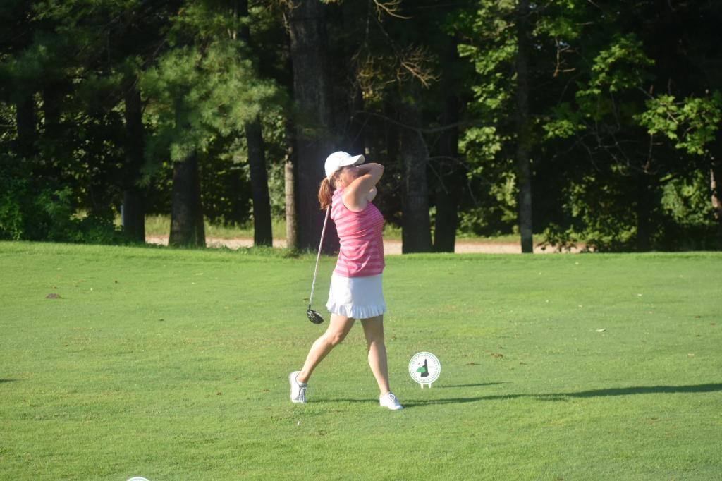Lazenby Leads Inaugural Women's Mid- Amateur Following Round One