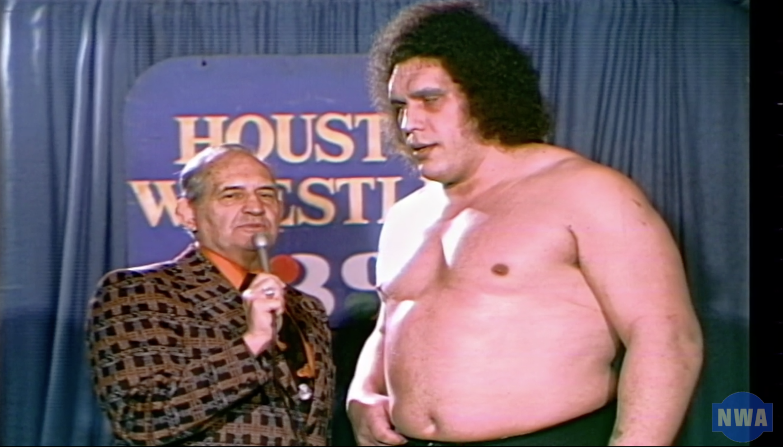 Andre the Giant challenges the Sheik!
