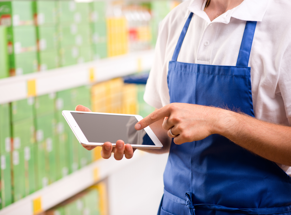4 Traits of the Ultimate Retail Store Associate Enabled by Mobile Point of Sale