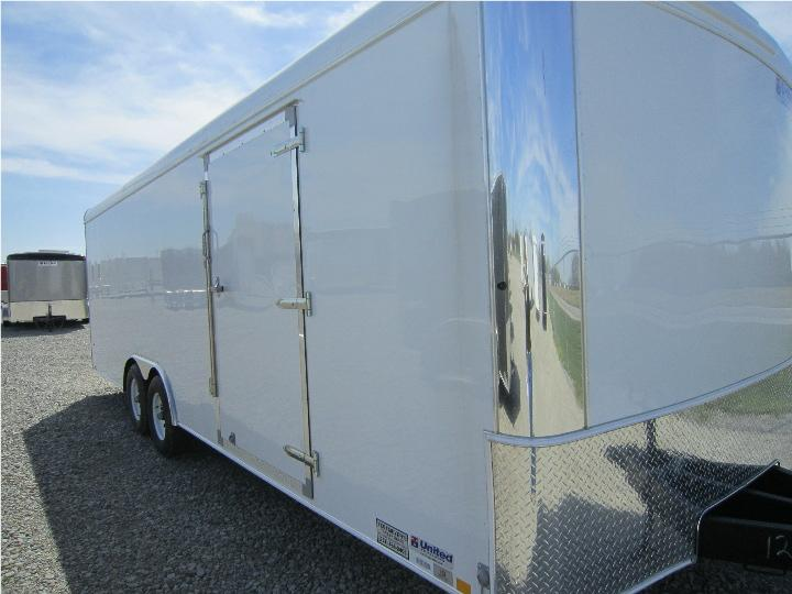 6&#39; 9&QUOT; x 23&#39; 7&QUOT; ENCLOSED TRAILER 