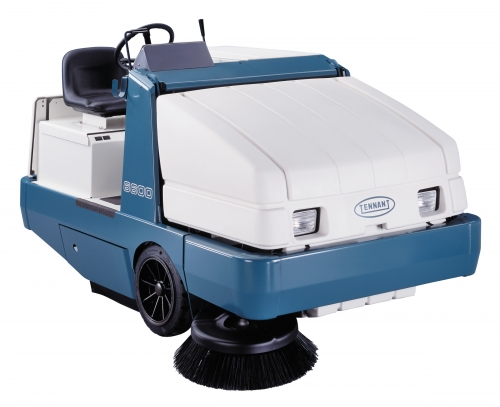 6600 Ride-On Sweeper