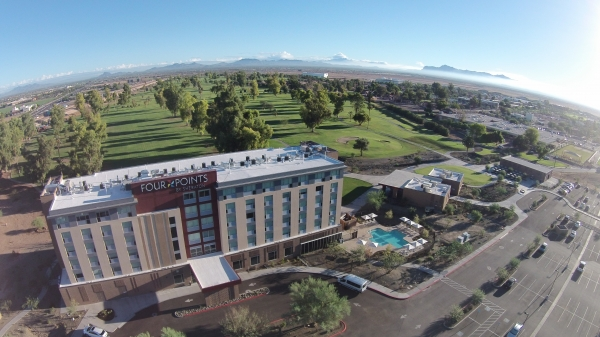 Located Just Minutes From The Phoenix Mesa Gateway Airport Four Points By Sheraton At Provides Easy Access To Best Of