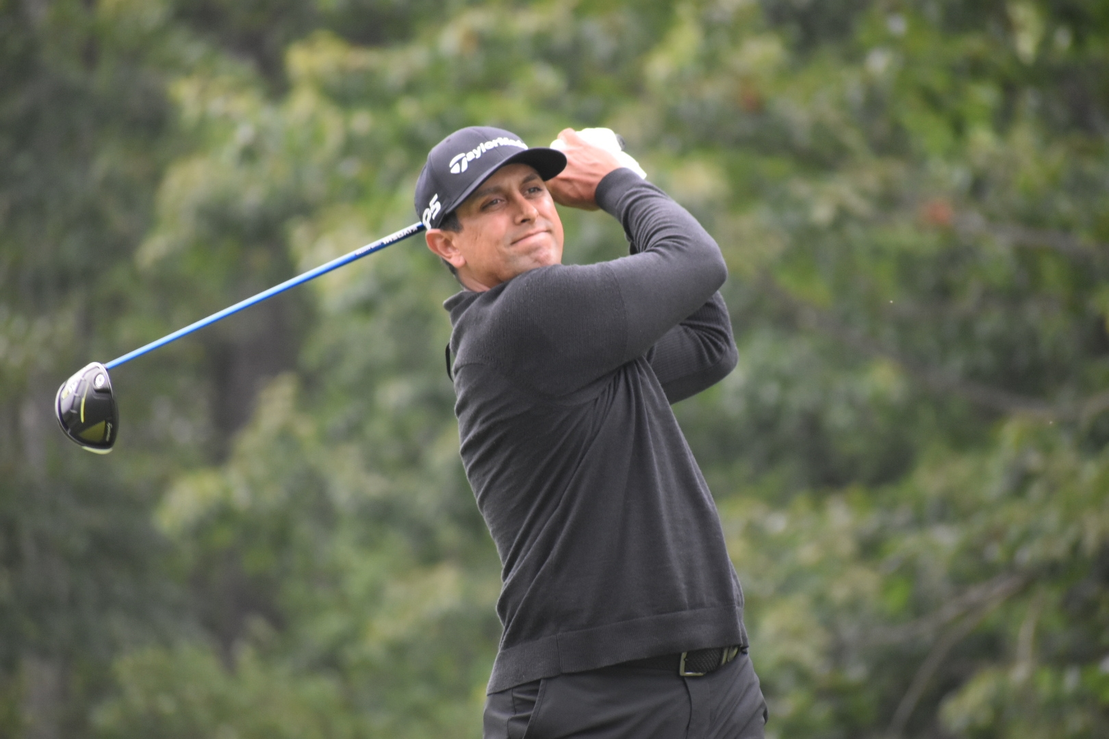 Top Players Withstand Difficult Weather Conditions to Lead NH Open