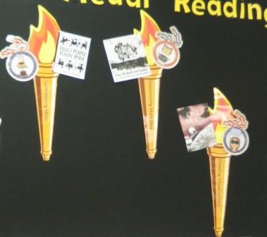 Gold Medal Reading Close-Up Sample Bulletin Board