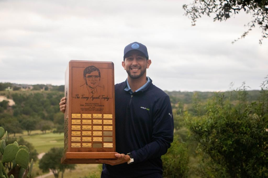 Mendez leads six other professionals to the PGA Professional Championship