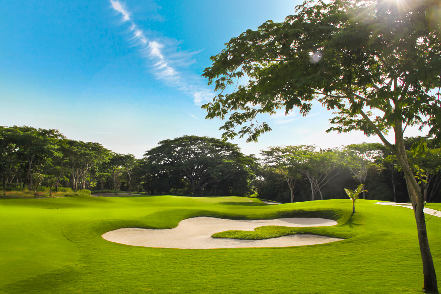 BUENAVENTURA GOLF CLUB AND ABU DHABI GOLF CLUB WIN BEST-IN-COUNTRY WORLD GOLF AWARDS